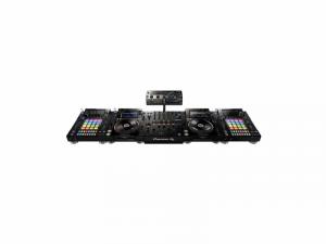 Pioneer CDJ-2000NXS2, DJS-1000, DJM-900NXS2 + RMX-1000