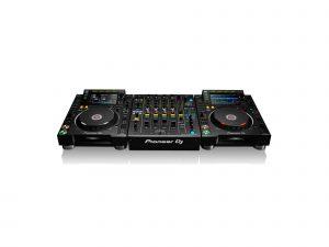 Pioneer CDJ-2000NXS2 + DJM-900NXS2